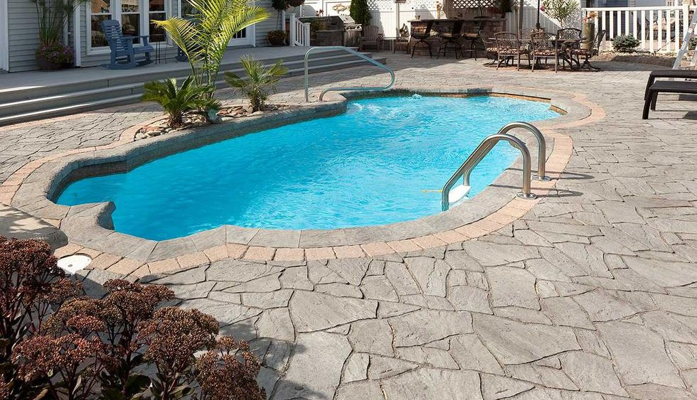 Flagstone pavers artistic pools Flagstone pavers around pool